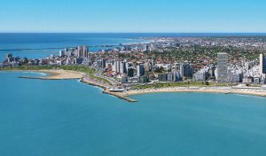 lively town and beach of Mar Del Plata