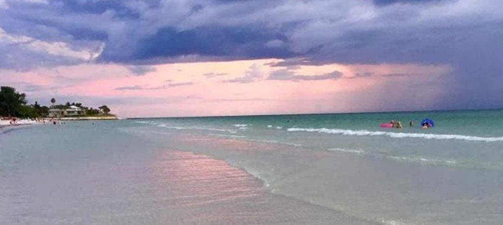 Crescent Beach R.I