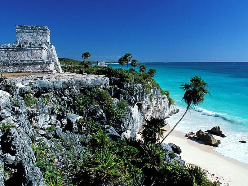 13th-century Mayan ruins at Tulum beach