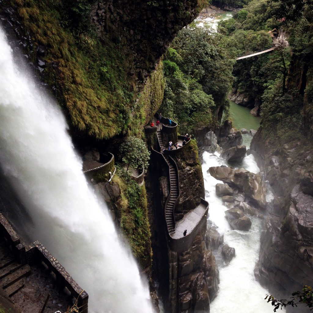 Pailon del Diablo in Ecuador