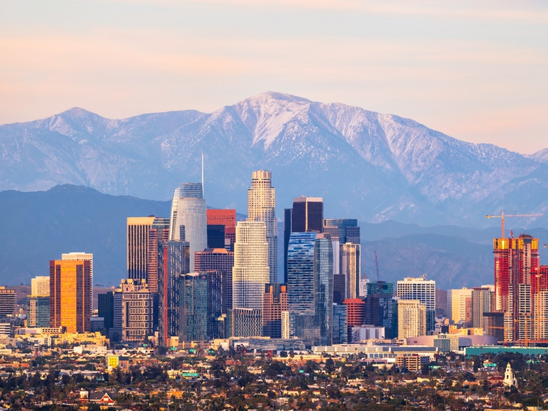 Los Angele skyline and San Gabriel mountains