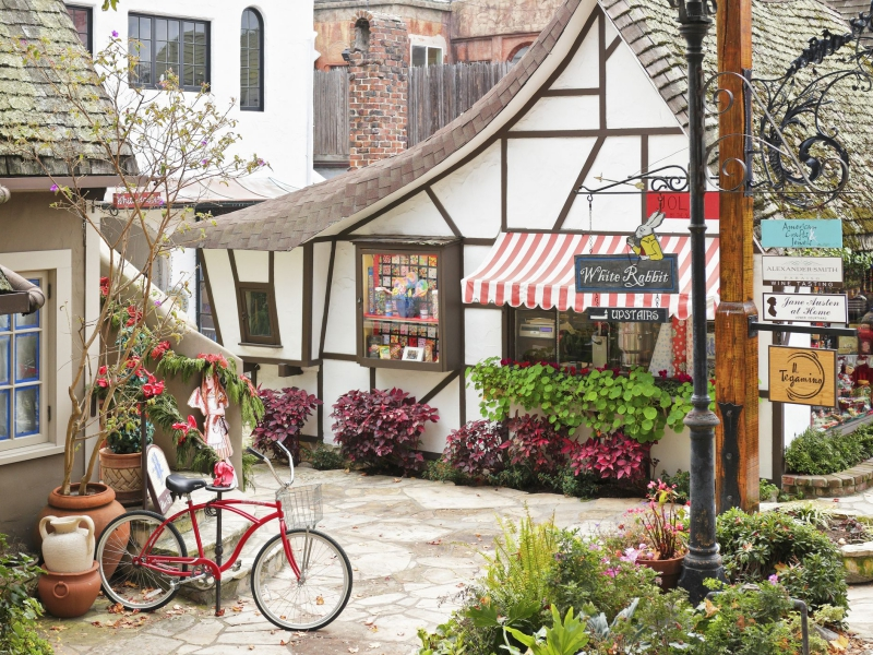 Carmel-By-The-Sea shops